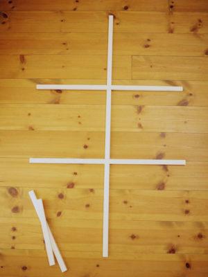 角材で格子を作る