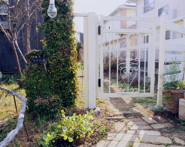スイング扉のガーデンゲートDIY