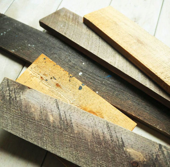 ダメージ加工の板、端材