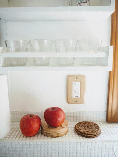 キッチン壁にコップ収納棚DIY